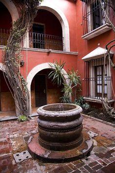 A Mexican Courtyard...gorgeous! [ MexicanConnexionForTile.com ] #fountains
