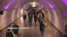A invasão está perto | The invasion is near - This video was made for Odd School - Creative Media which was invited by IndieLisboa International Film Festival to be at the Baixa-Chiado PT Bluestation.  My part in this work: - Editing - AVID MEDIA COMPOSER - Chroma Keying - NUKE - Tracking - AFTER EFFECTS