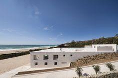 Alberto Campo Baeza, Casa dell'Infinito, Cádiz, Spagna  Per dare forza alla piattaforma, il piano è stato proseguito per tutto lo spazio dis...