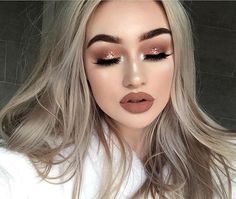 love this makeup look 🍂🍂 @jeffreestar @jeffreestarcosmetics lipstick in 'celebrity skin' #jeffreestarcosmetics