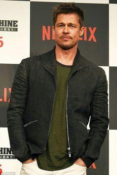 Brad Pitt and Sienna Miller 'dating' after Glastonbury Brad Pitt Pictures, Bratt Pitt, Just Beautiful Men, Sienna Miller, Celebrity Portraits, Hollywood Actor, Celebrity Look, War Machine, Attractive Men