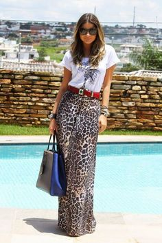 10 Leopard Print Outfits That Aren't Overpowering Printed Skirt Outfit, Leopard Skirt Outfit, Leopard Print Outfits, Maxi Skirt Outfits, Animal Print Outfits, Leopard Print Skirt, Leopard Fashion, Printed Maxi Skirts, Animal Prints