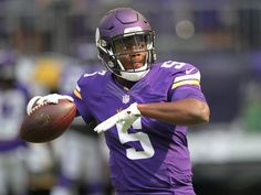 Vikings quarterback Teddy Bridgewater went down with a  significant  knee  injury that could be season-threatening 7e88d21af