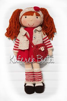 Pola - zabawka wykonana ręcznie na szydełku. Lalka ubrana jest w sukienkę, sweterek oraz szydełkowane buciki. Dodatkowo lala ma torebk...