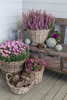 Impressive Front Porch Landscaping Ideas to Increase Your Home Beautiful 04