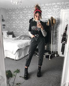 Grunge Outfits – Page 6723370841 – Lady Dress Designs Indie Outfits, Edgy Outfits, Retro Outfits, Vintage Outfits, Cool Outfits, Fashion Outfits, Warm Outfits, Edgy School Outfits, 80s Style Outfits