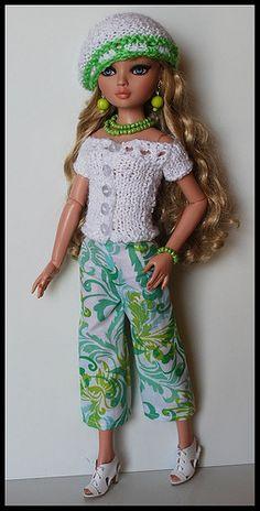 Barbie Wardrobe, Gotz Dolls, Create Photo, Barbie Clothes, Vintage Dolls, Knitting, Cute, Bari, Pink