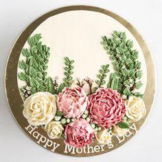 Happy Mother's Day 💖  .  .  .  .  .  .    #buttercream #happymothersday #buttercreamcake #cakestagram #instacake #lilbitesid #ciakholiao #cakecakecake   #foodphotography #food52 #f52grams #foodgawker #buzzfeast #eeeeeats #eatandtreats #sgbakes #goodeats #homebaked #huffposttaste #flowercake #makanmana #nomnom #vscocam #bonappetit #wiltoncakes #yahoofood #onthetable #cakedecorating #wtfoodies #thekitchn