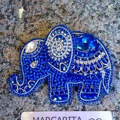 Кино про маленького индийского слоненка #брошьслон #брошьслоник #брошьслоненок #цветнастроениясиний #синийцвет #брошьhandmade #брошьпитер #брошьспб #брошькупить #брошькупитьспб #яркаявесна #страшномодно #украшенияспб #маргаритавналичии