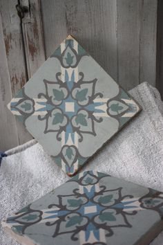 ♡ Wish I would have bought lots of tile when I was in Morocco! Tile Art, Mosaic Tiles, Cement Tiles, Mosaic Designs, Stencil Designs, Natural Flooring, Tuile, House Tiles, Natural Area Rugs