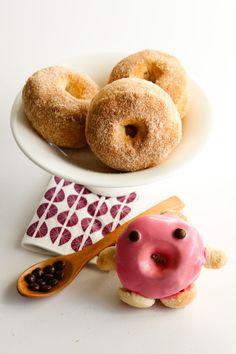 raspberri cupcakes: Baked Cinnamon Doughnuts