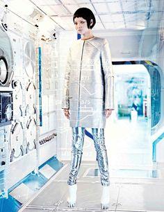 Fashion Depicting the Future - Space Age Fashion -4