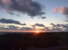 Die Sonne geht unter.    Holland