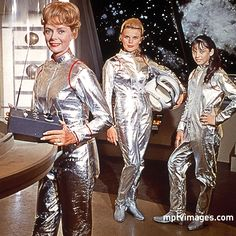 Space Gals June Lockhart, Marta Kristen & Angela Cartwright in Lost In Space, Sci Fi Series, Tv Series, Old Tv Shows, Movies And Tv Shows, Marta Kristen, Space Tv Shows, Space Fashion, Film Fashion, Space Girl
