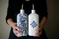 For Jana  Oil and vinegar set / Pour l'huile et le