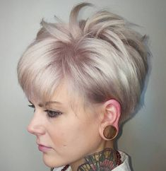 Splendid Ash Blonde Spiky Pixie Hairstyle The post Ash Blonde Spiky Pixie Hairstyle… appeared first on Amazing Hairstyles . Haircuts For Fine Hair, Short Pixie Haircuts, Cute Hairstyles For Short Hair, Pixie Hairstyles, Trendy Hair, Bob Short, Gorgeous Hairstyles, Hairstyles 2018, Medium Hair Styles