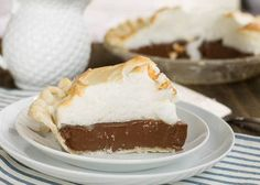 Old-Fashioned Chocolate Meringue Pie just like grandma made. A rich chocolate filling, flaky pie crust and airy meringue topping. Homemade Chocolate Pie, Chocolate Meringue Pie, Chocolate Pie Filling, Chocolate Pie Recipes, Chocolate Pies, Old Fashioned Chocolate Pie, Just Desserts, Dessert Recipes, Brownie