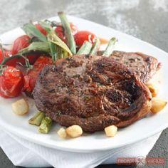 Kakukkfüves-fokhagymás bárány Meat Recipes, Pork, Beef, Dishes, Beef Recipes, Pork Roulade, Meat, Steak Recipes, Plate