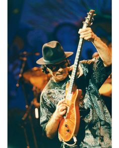 Carlos Santana Music Photo - 20 x 25 cm Santana Music, Best Guitarist, The Jam Band, Poster Design Inspiration, Blues Music, Types Of Music, Cool Posters, Playing Guitar, Music Lovers