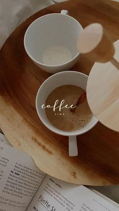 Coffee Is Life, Coffee Love, Coffee Break, Coffee Cups, Coffee Shop Aesthetic, Aesthetic Food, Easy Chips, Coffee Shake, Coffee Instagram