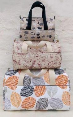 A diaper bag or nappy bag is a storage bag with many pocket-like spaces that is big enough to carry everything needed by someone taking care of a baby while taking a typical short outing. Sac A Main Bowling, Best Diaper Bag, Rash Cream, Big Handbags, Bag Storage, Gym Bag, Purses, Sewing, 3