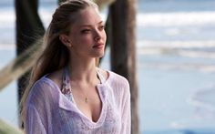 Amanda Seyfried in Dear John movie wallpaper
