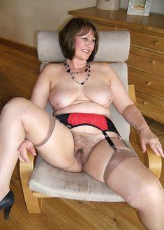 #GILF #Oma #BBW #Curvy #MatureErotic