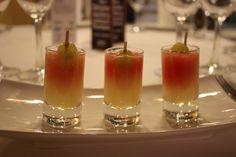 Chupito de Crema de Melon con sandia, una de las alternativas para la celebracion de tu boda en santiago de compostela, Galicia.