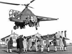 Helicopter Pilots, Military Helicopter, Military Aircraft, Sikorsky Aircraft, Flying Ship, Navy Carriers, Aircraft Design, Model Airplanes, Vietnam War