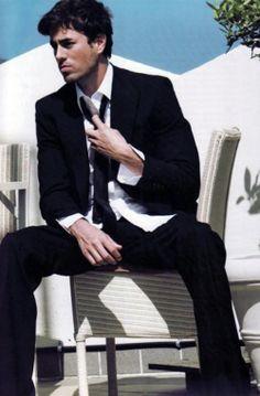 Enrique Iglesias Hot Body | enrique-iglesias-hot-as-hell-oh-my-enrique-amplt3-sexy-Favim.com ...