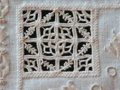 Hardander, Drawn Thread, Whitework Sampler - she has photos of the sampler plus a history of needlework at the bottom of the post - Fils et Aiguilles... une Passion Blog's Post: RETICELLO - PUNTO ANTICO - Giuliana Buonpadre (3/5) (site in both French and English)