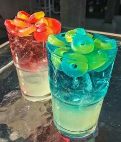 If this is a drank then I can't wait till I'm This looks sooooo kewl. Lemonade & vodka or Malibu red: grenadine ; No automatic alt text available. Pin by JD Marzec on Drinks in 2019 Candy Drinks, Liquor Drinks, Non Alcoholic Drinks, Fun Drinks, Beverages, Cocktail Drinks, Vodka Cocktails, Uv Blue Drinks, Colorful Drinks