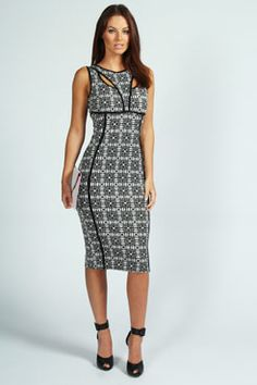 Minne Monochrome Bodycon Dress at boohoo.com It's a must-have for my wardrobe