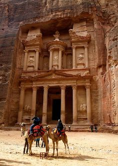 Petra, Jordan 40 Breathtaking Places to See Before You Die Places Around The World, The Places Youll Go, Cool Places To Visit, Places To Travel, Around The Worlds, Travel Destinations, Machu Picchu, Wonderful Places, Beautiful Places