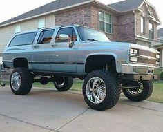 Suburban Gm Trucks, Diesel Trucks, Lifted Trucks, Cool Trucks, Pickup Trucks, Gmc Suv, Jeep Suv, Lifted Chevy, Cars
