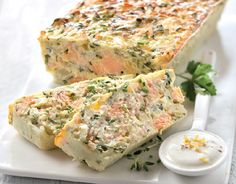 Fancy a gourmand terrine? Then comply with our recipe for salmon trout with fromage blanc. A deal with for the entire household. Trout Recipes, Salmon Recipes, Seafood Recipes, Cooking Recipes, Healthy Recipes, Buffet, Good Food, Yummy Food, Low Calorie Snacks