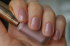 L'Oréal Paris Color Riche Le Vernis best nail polish ever. Up to one week without chipping. Beautiful colors