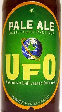 Cerveja UFO Pale Ale, estilo American Pale Ale, produzida por Harpoon Brewery, Estados Unidos. 5.3% ABV de álcool.