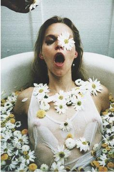 #Inspo #CakeAndRum #Flower #Power