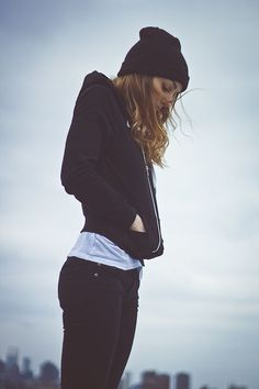 skater girl fashion . casual outfits for teens . beanie . hoodie . skinny jeans