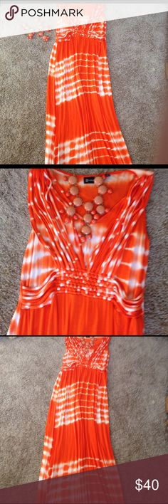 😘Really cute maxi/w matching necklace ($20)😘 Vibrant orange  tie dyed sleeveless maxi dress. Look good, feel good 😊 Be ready in this lovely dress. Paired with orange and peach necklace. Buy together or separate. Bundle for shipping discount💰 Necklace sold separately $20 Dresses Maxi