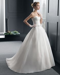 Renzo vestido de novia two Rosa Clara