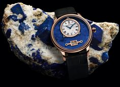 Lapis lazuli was the most precious stone in Antiquity. This stone is a blend of dense blue particles with traces of white and gold.   When these particles are evenly dispersed, lapis lazuli comes alive. This made it the most precious pigment of the Renaissance: ultramarine blue. Its unique color gives the Grande Date Lapis Lazuli by Jaquet Droz its emotion and its delicacy.