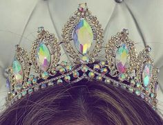 ✨pinterest @amacias3875✨ Royal Crowns, Royal Tiaras, Royal Jewels, Tiaras And Crowns, Crown Jewels, Quinceanera Dresses, Quinceanera Tiaras, Pagent Dresses, Quinceanera Hairstyles
