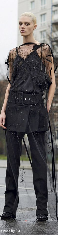 Givenchy Pre Fall 2016 l Ria #highfashion #inspiration #moderndesign luxury…