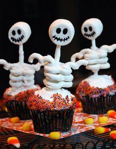 Creepy Halloween Cupcake Ideas - 4 UR Break- provides some information about interesting trends.