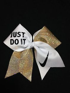 Nike shoes Nike roshe Nike Air Max Nike free run Nike USD. Nike Nike Nike love love love~~~want want want! Softball Bows, Cheerleading Bows, Volleyball, Cute Cheer Bows, Big Bows, Cheer Quotes, Cheer Hair, Nike Gold, Cheer Dance