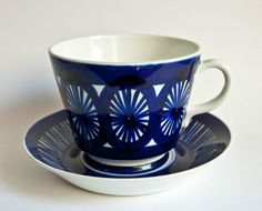 ARABIA Finland - Valencia extra large Grandfather Cup & Saucer Glass Ceramic, Ceramic Pottery, Vintage Cups, Blue And White China, Chocolate Cups, Marimekko, Ceramic Painting, Teacups, Cup And Saucer