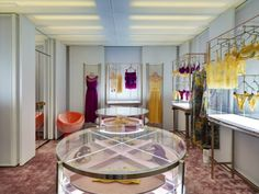 La Perla Milan Boutique designed by Roberto Baciocchi Lingerie Store Design, Milan Boutique, Design Boutique, Retail Fixtures, Store Image, Underwear Shop, Fashion Room, Retail Design, Visual Merchandising