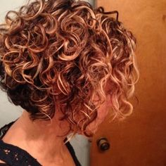 short hairstyles for round faces curly